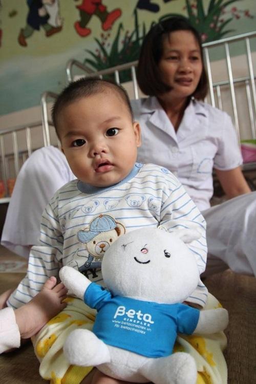 Bé 7 tháng tuổi bị bỏ rơi, bố bé 7 tháng tuổi từ chối xét nghiệm ADN, bỏ đi không quay lại