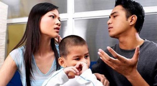 tôi đau lòng vì nuôi con của vợ và nhân tình cũ