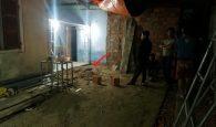 phát hiện thi thể dưới nền nhà, thi thể còn nguyên quần áo
