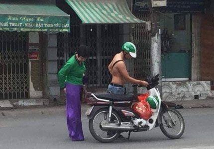tình người thật cao đẹp, hành động đẹp của anh grab bike