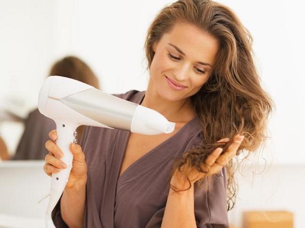Những sai lầm dùng máy sấy tóc gây nguy hiểm