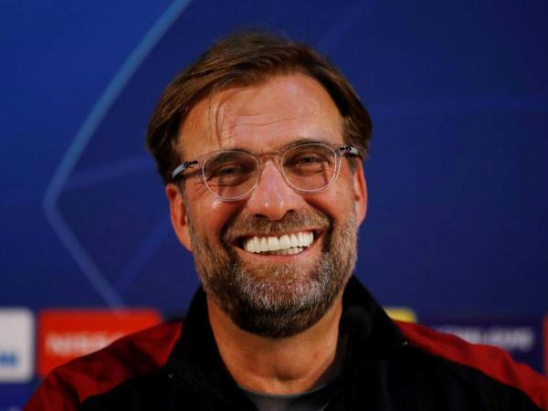 HLV Klopp háo hức khi sắp đối đầu với Barca