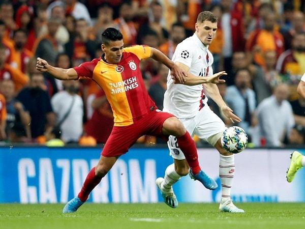 PSG-vs-Galatasaray-min