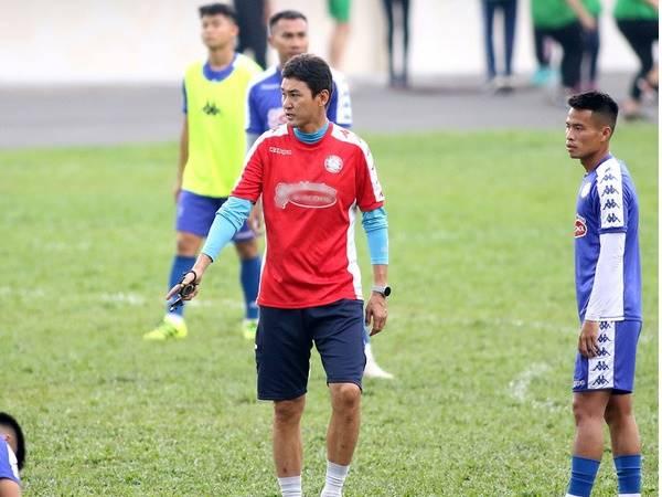 Bóng đá Việt Nam sáng 15/9: Cựu danh thủ Hàn Quốc xin nghỉ việc ở CLB TP HCM