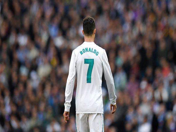 Những cầu thủ mặc áo số 7 xuất sắc nhất trong lịch sử bóng đá
