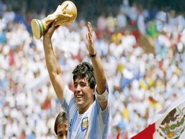 Top 5 những huyền thoại bóng đá xuất sắc nhất thế giới