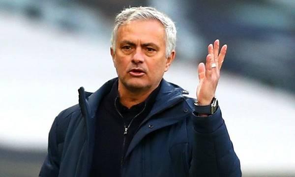 Tôi đã giành được 25 danh hiệu rưỡi - Mourinho Said